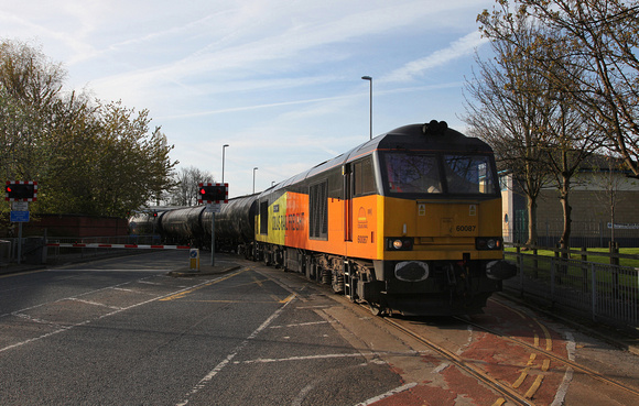 60087 heads over Strand Rd and onto the dock system.