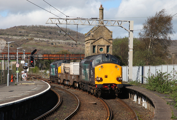 37069 & 37059 arrive into Carnforth with 6C51 Sellafield to Heysham on 12.4.17.