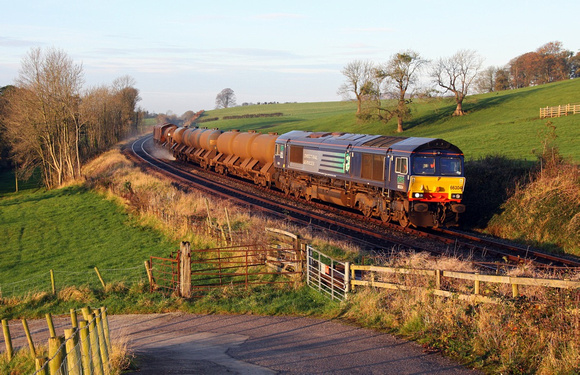 66304 & 66434 pass Starricks Farm with 3J11 RHTT on 2.11.11.