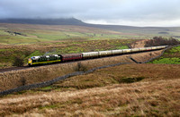 D9009 heads past Selside on 28.12.13 with 'The Winter Settler' to Carlisle.