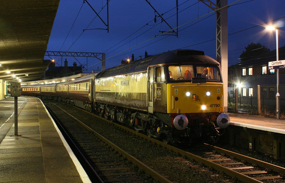 47790 pauses at Carnforth on 21.12.11 with a Crewe to Crewe Northern Belle via Barrow.