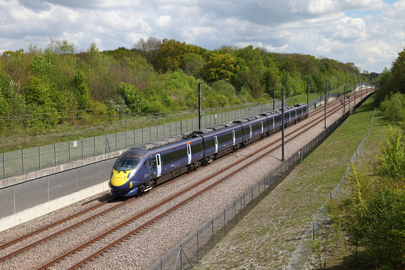A Javelin passes Detling with the 1312 St Pancras International to Margate on 25.4.17