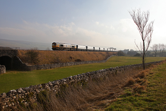 66739 passes Selside with the Arcow to Bredbury stone on 14.2.17.