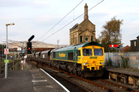 66547 heads into Carnforth on 27.10.15 with 6M11 Hunterston to Fiddlers Ferry coal.